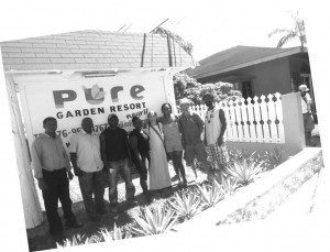 Vincent, Brian, Roger, Fayon, Kay, Gayle, Johnny and Kahleb at Pure Resort in Negril